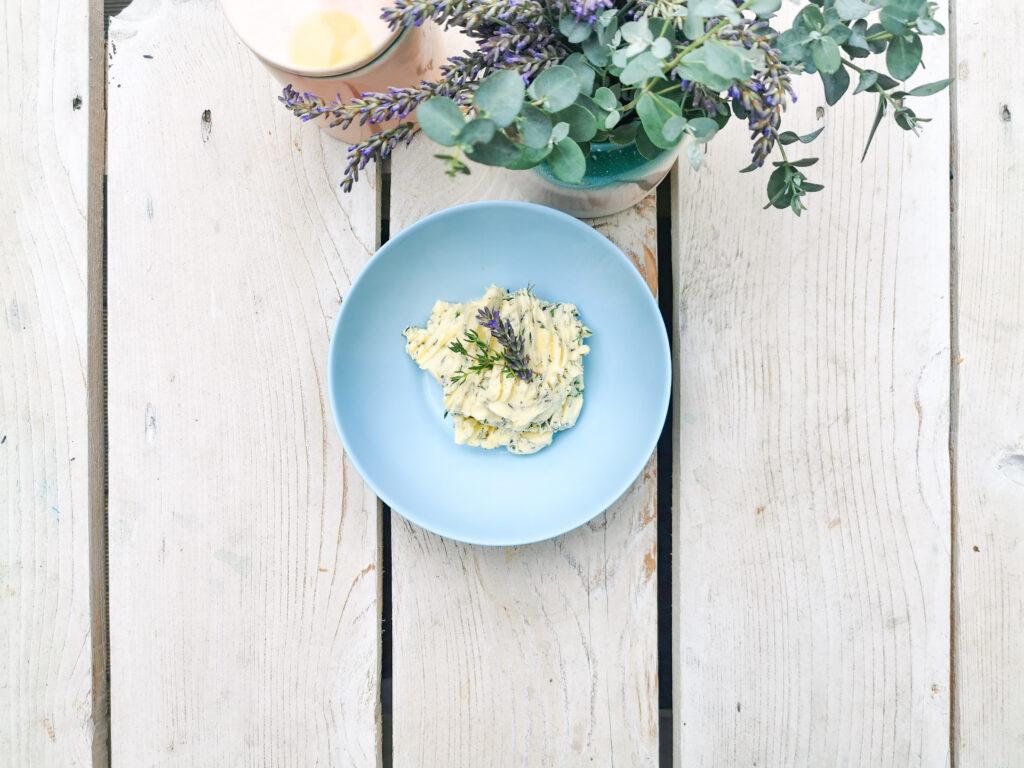 gruenesherz.blog   Lavendel-Butter